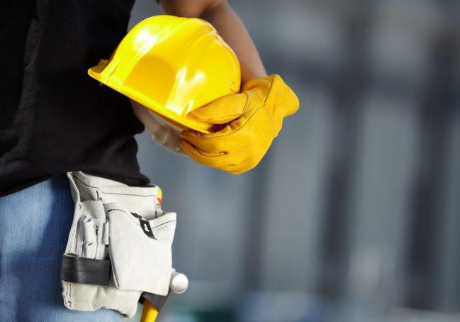 Em algumas áreas, como a industrial e a de construção civil, acidentes de  trabalho podem ser fatais. Nesse cenário, o técnico em segurança do trabalho  é um ... 1150e525cd